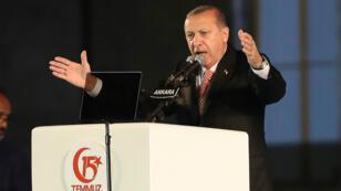 Recep Tayyip Erdogan, le 15 juillet, lors d'un discours marquant le premier anniversaire de la tentative de coup d'État de 2016.
