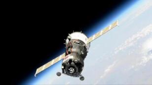 La nave rusa Soyuz MS-14 espera antes de poder acoplarse a la Estación Espacial Internacional en una imagen tomada el pasado 24 de agosto de 2019