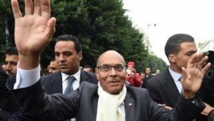 المنصف المرزوقي يحيي أنصاره في تونس 9 ديسمبر 2014