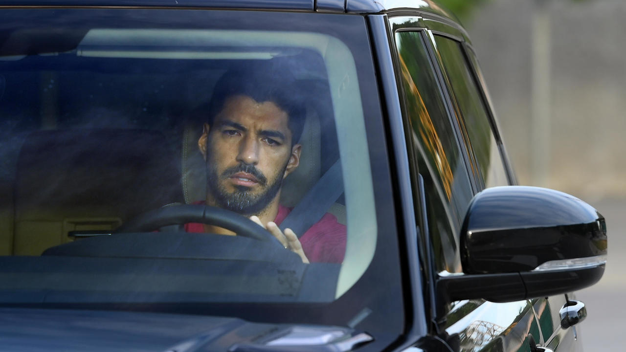 الأورغوياني لويس سواريز يرحل عن برشلونة إلى صفوف أتلتيكو مدريد كلاعب حر