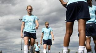 Amandine Henry, lors de l'entraînement des Bleues, le 24 juin 2015 à Laval, au Québec.