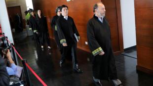 Los magistrados del tribunal de Jurisdicción Especial para la Paz (JEP) llegan para una audiencia en Bogotá, Colombia, el 23 de septiembre de 2019.
