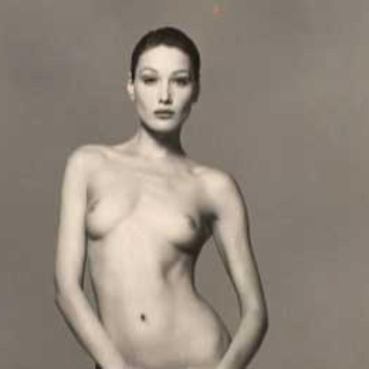 Bruni naked carla Nude Photos