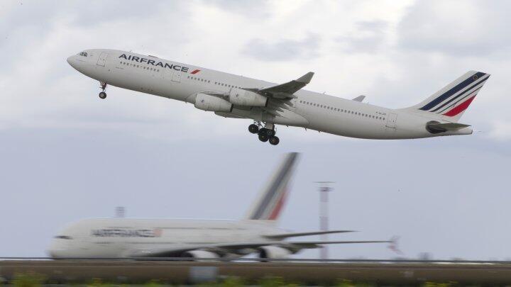 """طائرة تابعة للخطوط الجوية الفرنسية """"إير فرانس"""""""