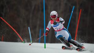 La Française Marie Bochet, lors de l'épreuve de slalom des Jeux paralympiques de Pyeongchang, catégorie debout, qu'elle a remportée le 18 mars 2018.