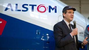 Arnaud Montebourg en visite dans une usine d'Alstom en mars 2013
