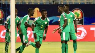 Les Sénégalais valident leur billet pour les demi-finales grâce à un but d'Idrissa Gueye face au Bénin.