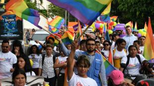 Des manifestants LGBTI lors de la Journée internationale contre l'homophobie à Tegucigalpa, au Honduras le 17 mai 2018.