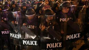 شرطة مكافحة الشغب في بانكوك