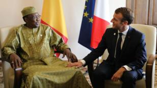 Idriss Déby et Emmanuel Macron lors du sommet de la Francophonie à Ereva, en Arménie, le 11 octobre 2018.