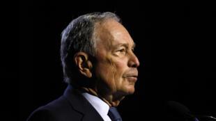 مايكل بلومبرغ الملياردير وعمدة نيويورك السابق وأحد المرشحين الديمقراطيين للانتخابات الرئاسية.