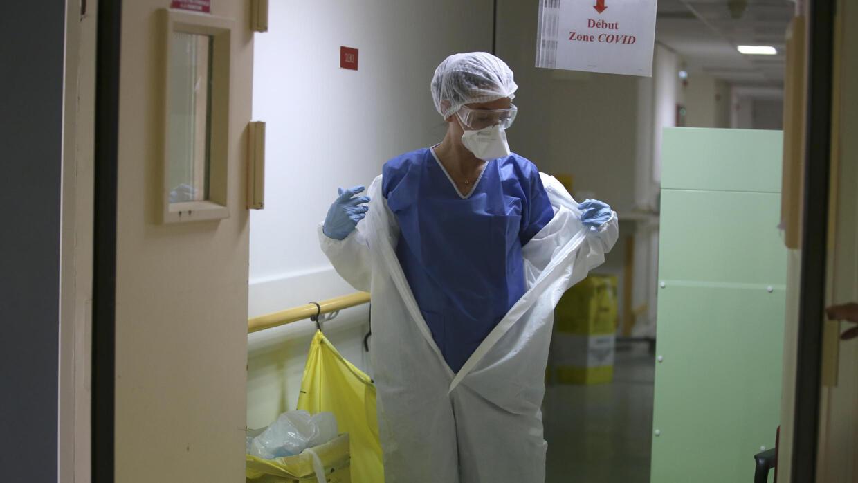 Covid-19: 367 morts en 24h en France, baisse notable du nombre de patients en réanimation