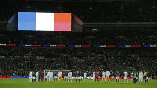 Les 70 000 spectateurs de Wembley ont entonné la Marseillaise avant le coup d'envoi d'Angleterre - France.