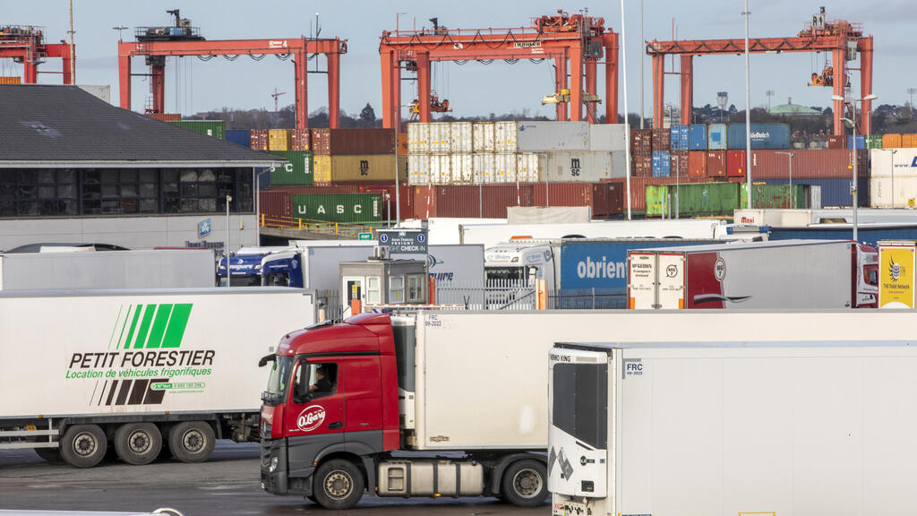 France may require rapid Covid-19 tests from Irish truck drivers arriving via sea, not UK