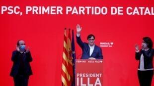 El candidato a la Generalitat por el Partido Socialista de Cataluña (PSC), Salvador Illa, habla durante una conferencia de prensa, luego de que su movimiento obtuviera el primer lugar en número de votos en las elecciones regionales al Parlamento, en su sede de Barcelona, España, el 14 de febrero de 2021.