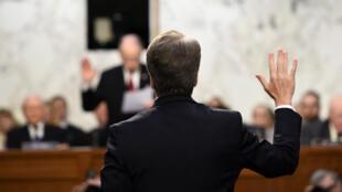 القاضي المحافظ بريت كافانو يدلي بشهادته في 5 أيلول/سبتمبر 2018 أمام لجنة العدل بمجلس الشيوخ الأمريكي