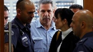 الوزير الإسرائيلي السابق غونين سيغيف في الخامس من تموز/يوليو 2018 خلال مثوله أمام المحكمة في القدس