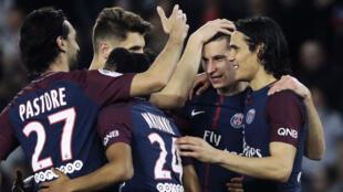 Le PSG s'est offert le septième championnat de France de son histoire dimanche en étrillant Monaco.