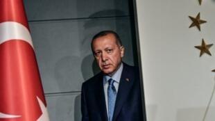 الرئيس التركي في إسطنبول بعد فوزه في الانتخابات الرئاسية. في 25 حزيران/يونيو 2018