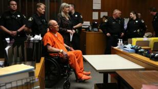 """Joseph James DeAngelo, soupçonné d'être le """"tueur du Golden state"""", comparaît devant le tribunal de Sacramento le 27 avril 2018."""