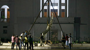 """La statue de """"Dame justice"""" avait été érigée devant la Cour suprême il y a moins de six mois."""