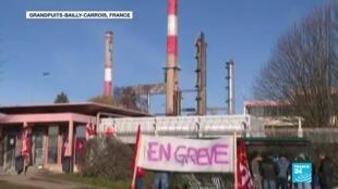2019-12-11 08:33 Au sixième jour de grève, les blocages de raffineries pourraient causer une pénurie d'essence