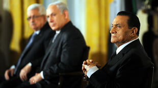 From right, Egyptian President Hosni Mubarak, Israeli Prime Minister Benjamin Netanyahu and Palestinian President Mahmoud Abbas listen to US President Barack Obama make a statement on Middle East peace at the White House on September 1, 2010.