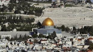 Vista de la Ciudad Vieja de Jerusalén, con el Monte de los Olivos de fondo.