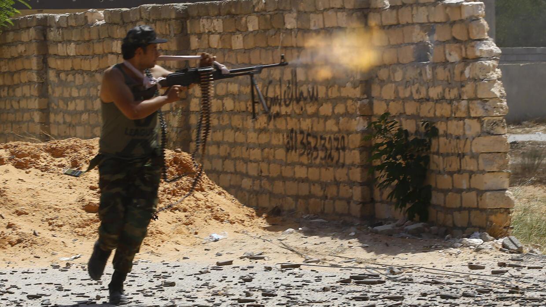 مقتل خمسة مدنيين في قصف جوي جنوب العاصمة الليبية (وزارة الصحة)
