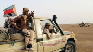 Des combattants touaregs de la CMA près de Kidal, dans le nord-est du Mali, en septembre 2016.