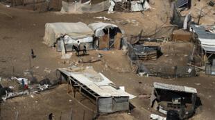 Una foto tomada el 4 de julio de 2018 muestra una vista de la aldea palestina beduina de Khan al-Ahmar, al este de Jerusalén en la ocupada Cisjordania.