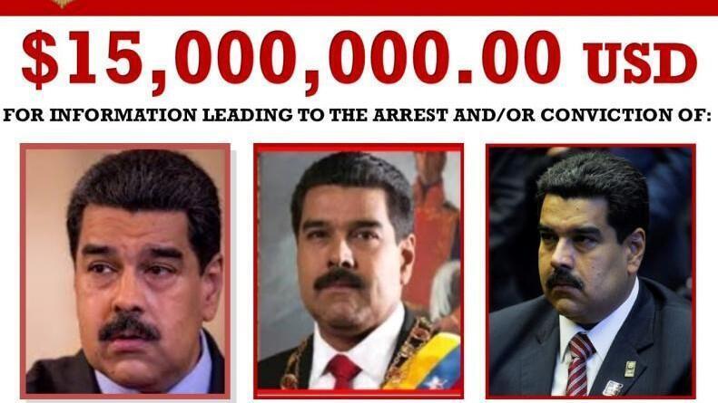"""Un póster que ofrece $ 15 millones de dólares para información que conduzca al arresto y la condena del presidente de Venezuela, Nicolás Maduro, se ve después de ser liberado por la Administración de Control de Drogas de los Estados Unidos (DEA) como Maduro y más de una docena de otros altos funcionarios venezolanos fueron acusados por los EE. UU. Departamento de Justicia acusado de """"narcoterrorismo"""" en Washington, EE. UU. 26 de marzo de 2020."""