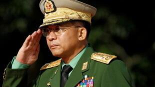 Min Aung Hlaing, jefe del ejército desde 2011 al final oficial de la junta militar en Myanmar.