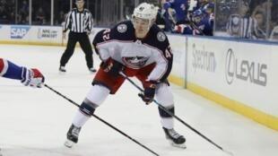 Le Français Alexandre Texier des Columbus Blue Jackets lors de son premier match de NHL face aux New York Rangers, au Madison Square Garden, le 5 avril 2019