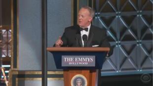 Sean Spicer sur la scène des Emmy Awards 2017, le 17 septembre.