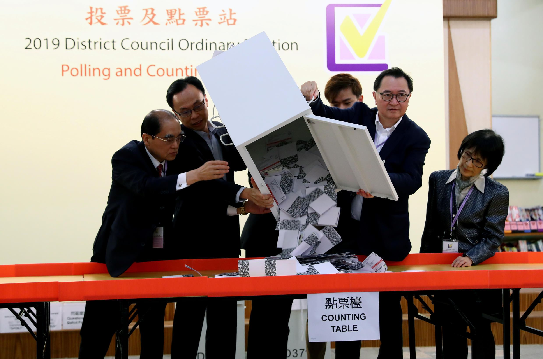 2019-11-24T161746Z_1884842740_RC2SHD9QJIZS_RTRMADP_3_HONGKONG-PROTESTS-ELECTION