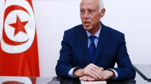 Le juriste Kaïs Saïed est arrivé en tête du premier tour de la présidentielle en Tunisie.