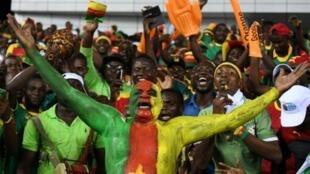 قمة ربع النهائي ستجمع بين منتخبي السنغال والكاميرون.