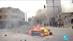 2021-03-05 17:01 Arrestation de O. Sonko au Sénégal : Dakar sous tension, l'opposant en garde à vue selon son avocat