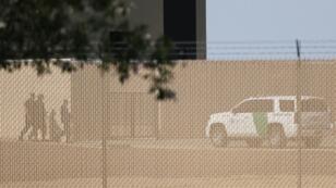 أعلنت السلطات الأميركية الأربعاء أنها تحقق في اتهامات بحدوث تجاوزات تعرض لها مهاجرون أطفال من قبل عناصر في مركز بالقرب من الحدود مع المكسيك.