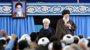 Le guide suprême Ali Khamenei et le président iranien Hassan Rohani (archives)