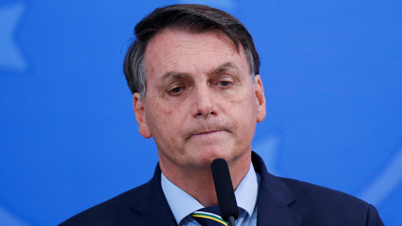 Le président brésilien Jair Bolsonaro pourrait faire face à une procédure de destitution après l'ouverture d'une enquête ordonnée lundi par la plus haute juridiction brésilienne.
