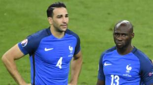 Adil Rami et Eliaquim Mangala, l'un des deux défenseurs pourrait bénéficier de temps de jeu.