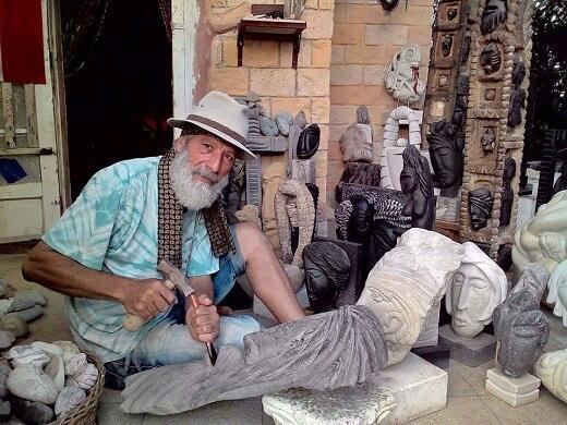 الفنان النحات السوري نزار علي بدر