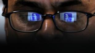 """Facebook a supprimé plus de 1000 pages et comptes pour """"comportements inappropriés en période électorale"""" en Inde."""