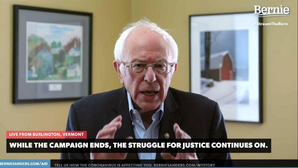El senador Bernie Sanders suspendió su campaña en las primarias demócratas de manera virtual el 8 de abril de 2020 desde Burlington, en Vermont, EE. UU.