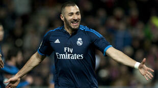 L'attaquant du Real Madrid Karim Benzema célèbre un but lors d'un match contre Grenade, le 7 février 2016.