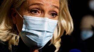 La présidente du RN Marine Le Pen le 27 octobre 2020 à Paris