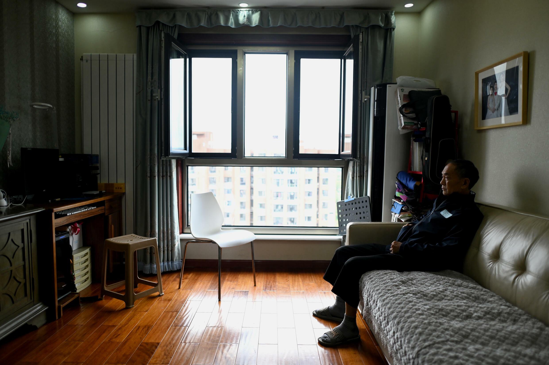 Chen Shaohua, un enfermo de Alzheimer, en el domicilio de su hija en Pekín, el 28 de agosto de 2021