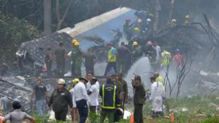 Les débris du Boeing 737 qui s'est écrasé près de l'aéroport de Cuba, le 18 mai 2018.